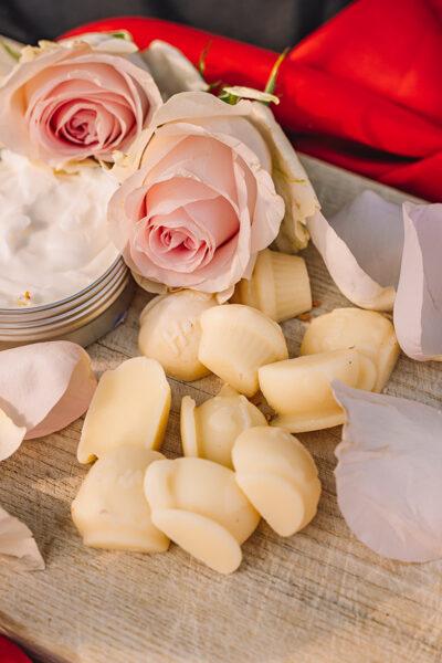 Rožu sviestiņi ādas kopšanai